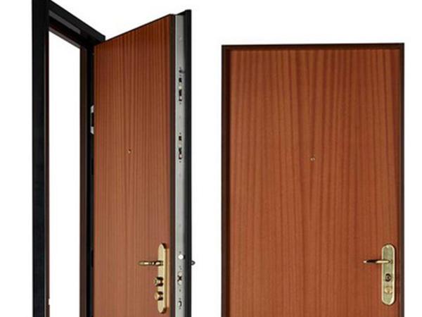 quelles sont les astuces pour d corer une porte blind e seodigg. Black Bedroom Furniture Sets. Home Design Ideas