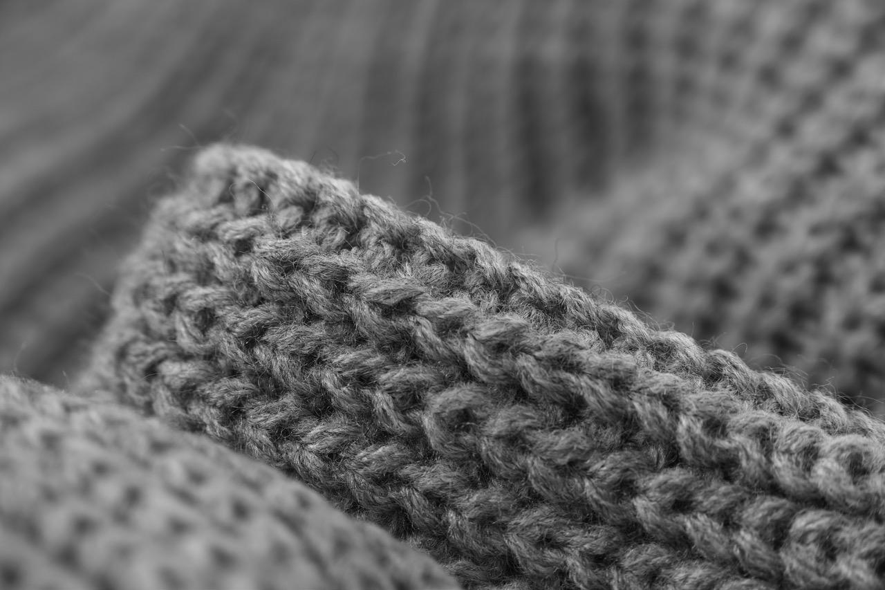 Les 7 détails qu'il faut regarder avant d'acheter un pull