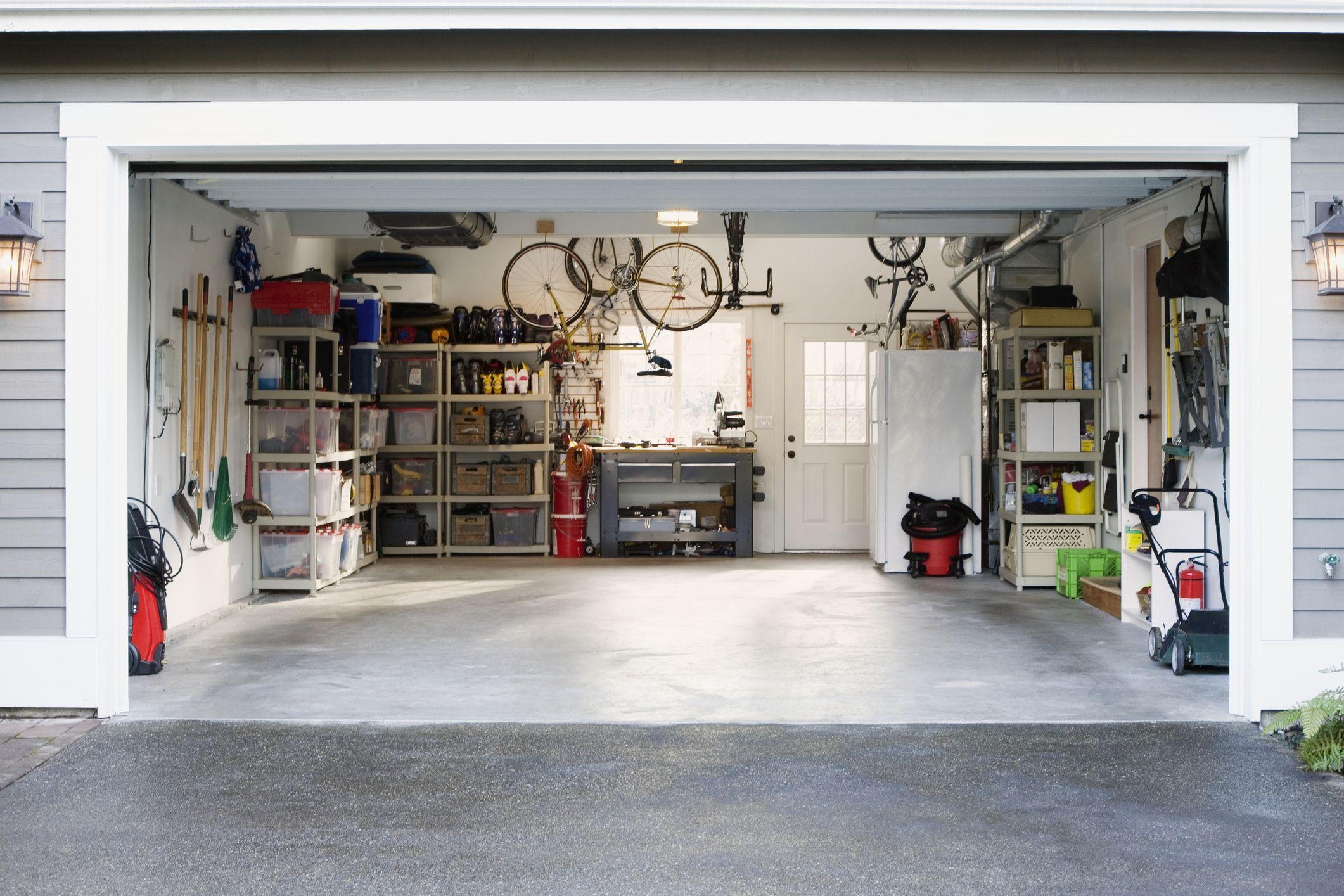 Construction d'un garage en bois