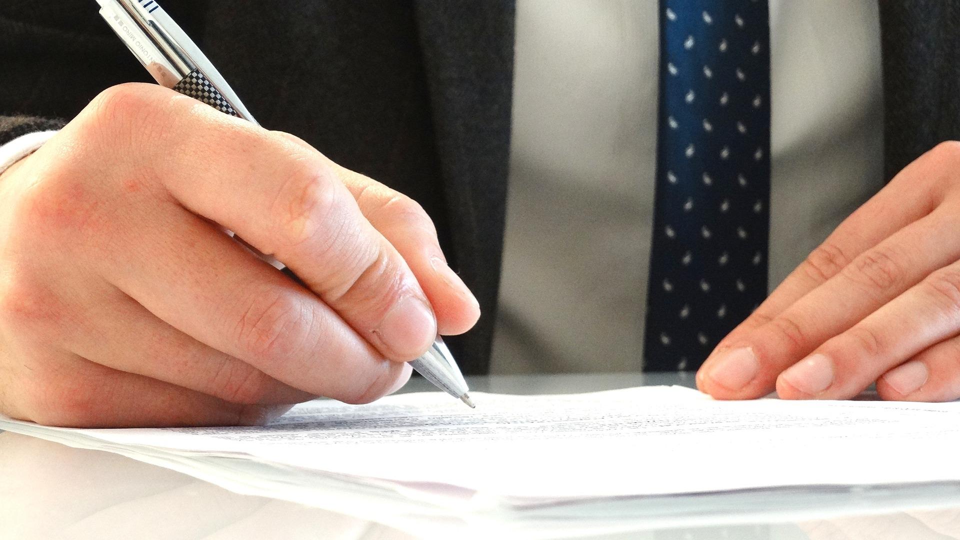 en-quoi-consiste-travail-avocat-immobilier