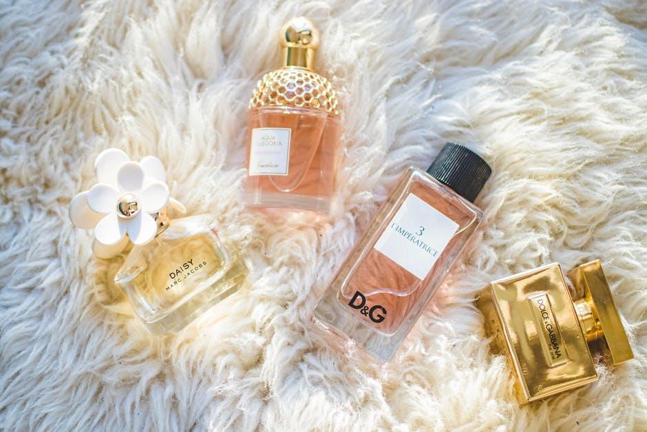 Où trouver du parfum pas cher ? Nous avons fait le tour du web !
