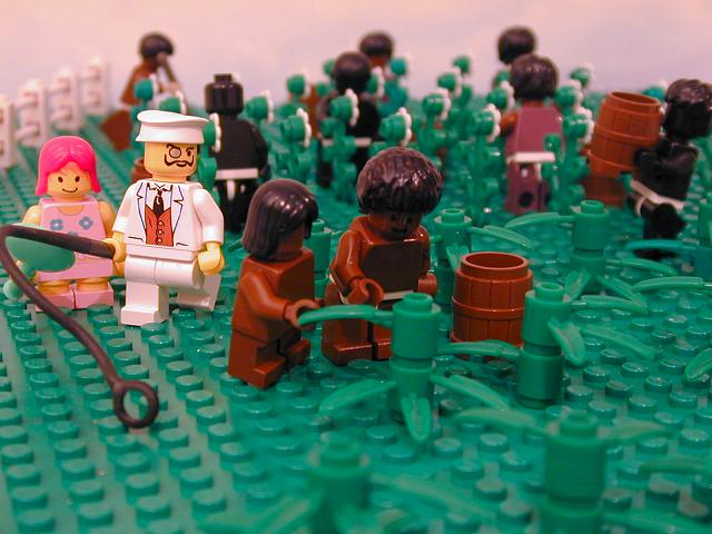 Lego_slaves